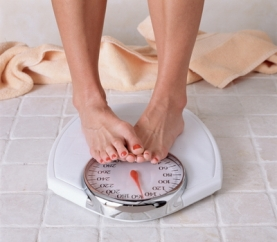 lose-weight-scale-cropped